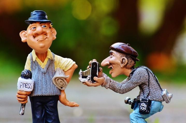 新人介護士が高齢者と適切にコミュニケーションを取る方法